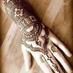 фото Рисунки мехенди на руке от 02.10.2017 №042 - mehendi on hand - tattoo-photo.ru