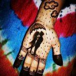 фото Рисунки мехенди на руке от 02.10.2017 №047 - mehendi on hand - tattoo-photo.ru