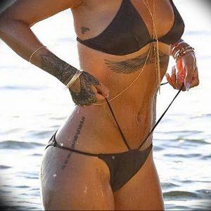 фото Тату Рианны от 30.09.2017 №001 - Rihanna Tattoo - tattoo-photo.ru