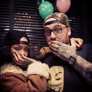 фото Тату Рианны от 30.09.2017 №024 - Rihanna Tattoo - tattoo-photo.ru