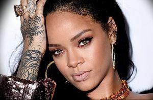 фото Тату Рианны от 30.09.2017 №047 - Rihanna Tattoo - tattoo-photo.ru