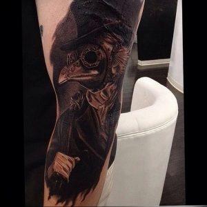 фото тату Чумной Доктор от 04.10.2017 №014 - tattoo Plague Doctor - tattoo-photo.ru