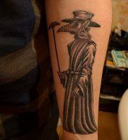 фото тату Чумной Доктор от 04.10.2017 №015 — tattoo Plague Doctor — tattoo-photo.ru