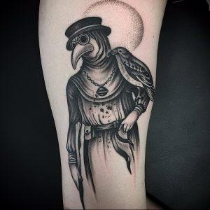 фото тату Чумной Доктор от 04.10.2017 №034 - tattoo Plague Doctor - tattoo-photo.ru