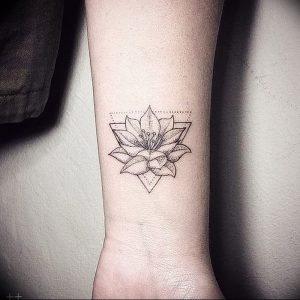 фото тату лотос от 02.10.2017 №093 - lotus tattoo - tattoo-photo.ru