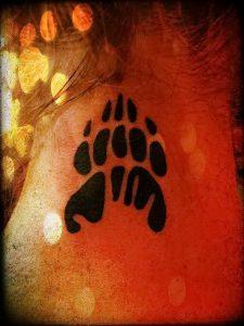 фото тату медвежья лапа от 30.09.2017 №002 - bear paw tattoo - tattoo-photo.ru