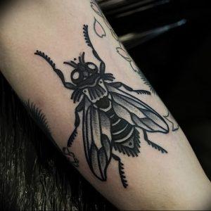 фото тату муха от 22.09.2017 №012 - Fly Tattoo - tattoo-photo.ru