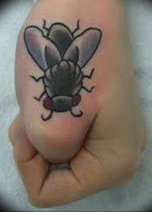 фото тату муха от 22.09.2017 №045 - Fly Tattoo - tattoo-photo.ru