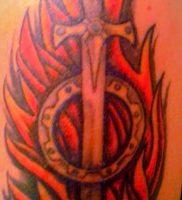 фото тату оружие от 05.09.2017 №096 — tattoo weapons — tattoo-photo.ru