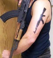 фото тату оружие от 05.09.2017 №109 — tattoo weapons — tattoo-photo.ru