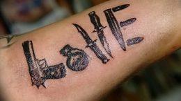 фото тату оружие от 05.09.2017 №118 - tattoo weapons - tattoo-photo.ru
