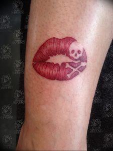 фото тату поцелуй от 22.09.2017 №015 - tattoo kiss - tattoo-photo.ru