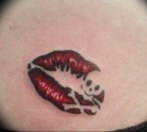 фото тату поцелуй от 22.09.2017 №016 - tattoo kiss - tattoo-photo.ru