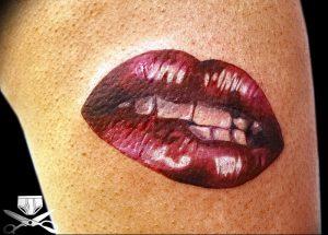 фото тату поцелуй от 22.09.2017 №021 - tattoo kiss - tattoo-photo.ru