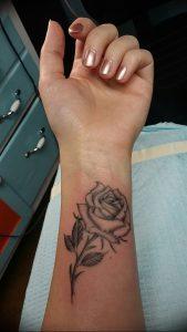 фото тату роза от 30.09.2017 №009 - rose tattoo - tattoo-photo.ru