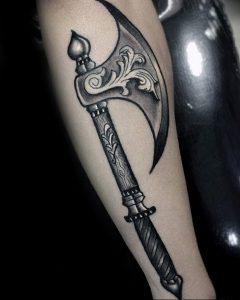 фото тату топор от 26.09.2017 №005 - tattoo ax - tattoo-photo.ru