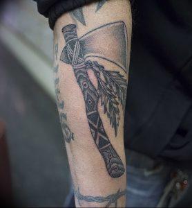 фото тату топор от 26.09.2017 №011 - tattoo ax - tattoo-photo.ru 123123231415