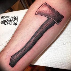 фото тату топор от 26.09.2017 №021 - tattoo ax - tattoo-photo.ru