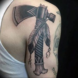 фото тату топор от 26.09.2017 №028 - tattoo ax - tattoo-photo.ru
