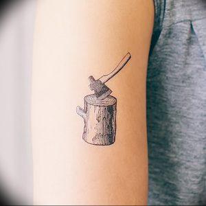 фото тату топор от 26.09.2017 №057 - tattoo ax - tattoo-photo.ru
