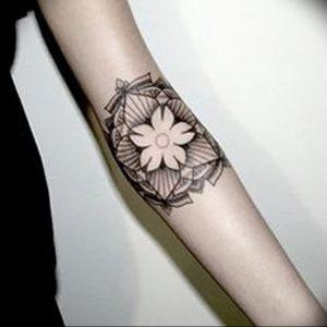 фото тату жасмин от 18.10.2017 №016 - tattoo jasmine - tattoo-photo.ru