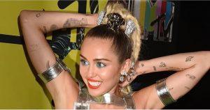 фото Тату Майли Сайрус от 05.12.2017 №007 - Miley Cyrus Tattoo - tattoo-photo.ru