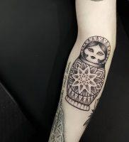 фото тату Матрешка от 25.12.2017 №009 — Matryoshka tattoo — tattoo-photo.ru