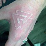 фото Белые тату от 19.02.2018 №005 - White Tattoo - tattoo-photo.ru