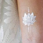 фото Белые тату от 19.02.2018 №071 - White Tattoo - tattoo-photo.ru