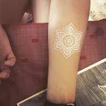 фото Белые тату от 19.02.2018 №080 - White Tattoo - tattoo-photo.ru