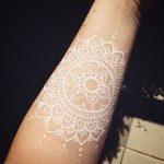 фото Белые тату от 19.02.2018 №090 - White Tattoo - tattoo-photo.ru