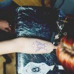 фото Больно ли делать тату от 10.03.2018 №006 - Is it painful to do a tattoo - tattoo-photo.ru