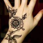 фото мехенди на руке от 10.03.2018 №048 - mehendi on hand - tattoo-photo.ru