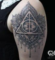 фото тату Дары Смерти от 20.02.2018 №138 — Deathly Tattoo — tattoo-photo.ru