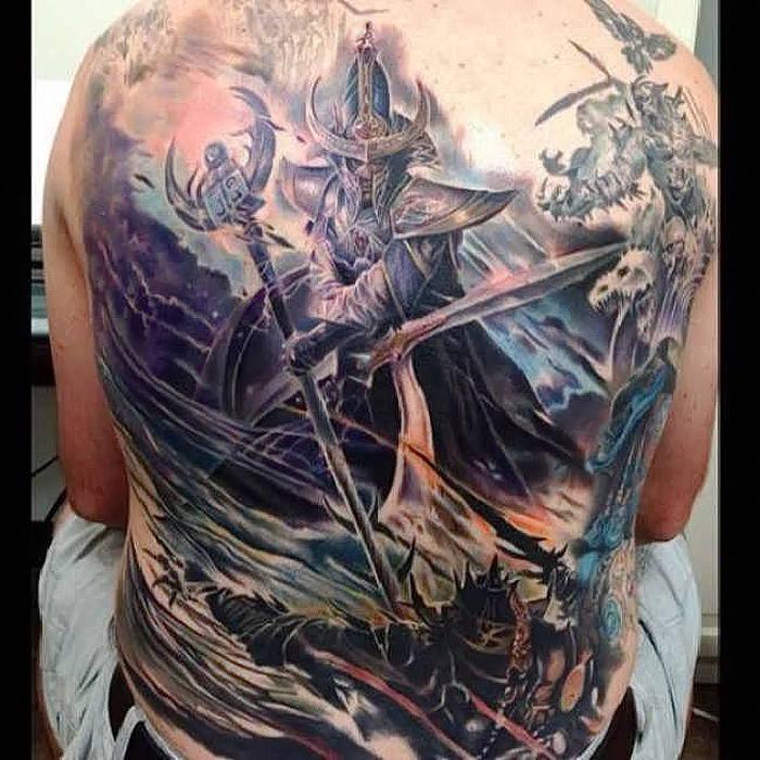 Масштабные тату на спину фото рыцарь