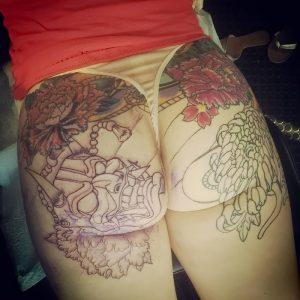 фото тату на ягодицах от 13.03.2018 №007 - tattoos on the buttocks - tattoo-photo.ru