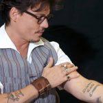 фото Тату Джонни Деппа от 15.04.2018 №003 - Tattoo Johnny Depp - tattoo-photo.ru