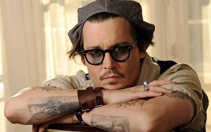 фото Тату Джонни Деппа от 15.04.2018 №021 - Tattoo Johnny Depp - tattoo-photo.ru