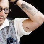 фото Тату Джонни Деппа от 15.04.2018 №043 - Tattoo Johnny Depp - tattoo-photo.ru