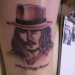 фото Тату Джонни Деппа от 15.04.2018 №045 - Tattoo Johnny Depp - tattoo-photo.ru