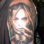 фото Тату Джонни Деппа от 15.04.2018 №105 - Tattoo Johnny Depp - tattoo-photo.ru