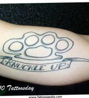фото тату кастет от 11.04.2018 №092 — tattoo brass knuckles — tattoo-photo.ru