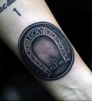 фото тату подкова от 01.06.2018 №110 — horseshoe tattoos — tattoo-photo.ru