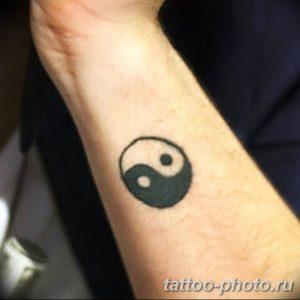 Фото рисунка тату Инь-Янь 08.11.2018 №022 - photo tattoo Yin-Yang - tattoo-photo.ru