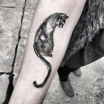 фото рисунка тату черная кошка 13.11.2018 №044 - black cat tattoo picture - tattoo-photo.ru