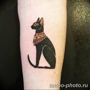 фото рисунка тату черная кошка 13.11.2018 №108 - black cat tattoo picture - tattoo-photo.ru