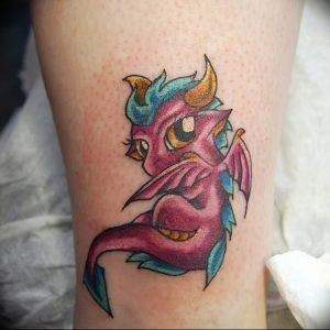 Фото рисунка тату дракон 12.10.2018 №096 - dragon tattoo - tattoo-photo.ru