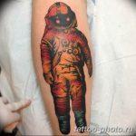 Фото рисунка тату космонавт 31.10.2018 №037 - cosmonaut tattoo - tattoo-photo.ru