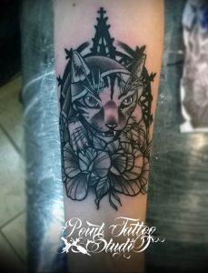 Фото рисунка тату кошка 09.10.2018 №283 - cat tattoo - tattoo-photo.ru