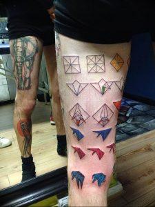 Фото рисунка тату оригами 12.10.2018 №208 - origami tattoo - tattoo-photo.ru